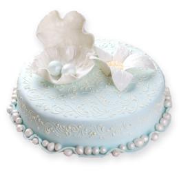 Одноярусный светло-голубой свадебный торт с цветком и жемчужиной