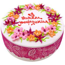 Праздничный торт  с маленькими цветочками
