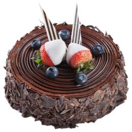 Праздничный торт без мастики со свежими ягодами клубники и голубики