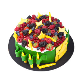 Торт на 23 февраля украшенный ягодами
