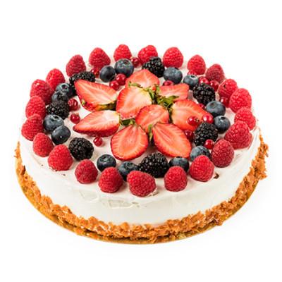 Праздничный торт в один ярус со свежими ягодами малины, клубники, ежевики и голубики
