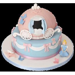 Детский торт с каретой и фигуркой девочки
