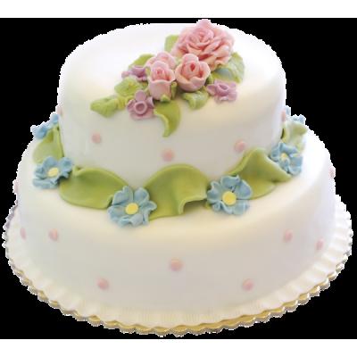 Белый свадебный торт с мелкими цветами и листьями