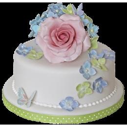 Торт украшенный цветком розы