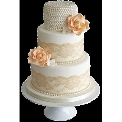 Белый трехъярусный свадебный торт с золотистыми узорами и розами