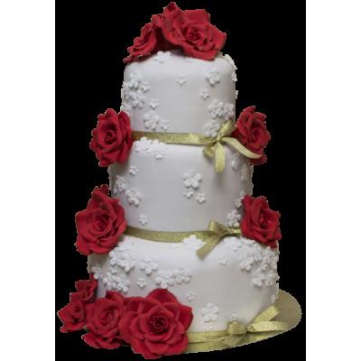 Белый трехъярусный свадебный торт с зеленой ленточкой и алыми розами
