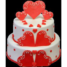 Торт праздничный украшенный сердечками