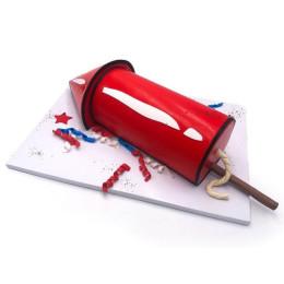 Торт в форме пиротехнической ракеты