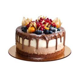 Торт праздничный украшенный ежевикой смородиной