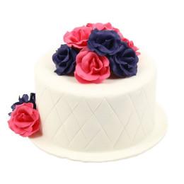 Торт праздничный в один ярус с сиренево-розовыми розами