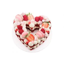 Торт праздничный в форме сердца с открытым бисквитом