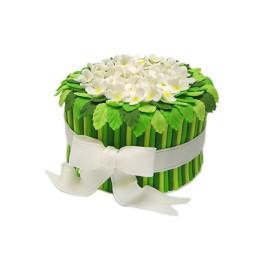 Торт праздничный в форме букета с белыми цветами