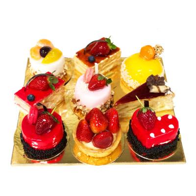 Ассорти из пирожных N561