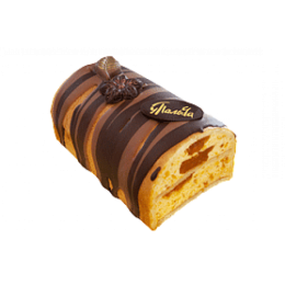 Cake roll with dried apricots